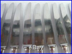 12 COUTEAUX DE TABLE ART DECO ERCUIS en métal argenté état brillant- 2190