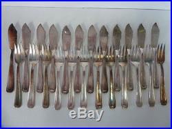 12 COUVERTS A POISSON ART DECO (24 pièces) métal argenté état brillant P8