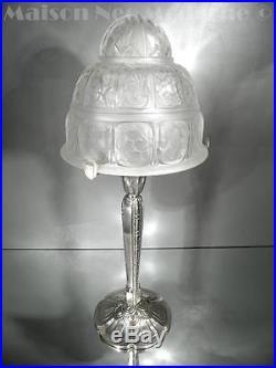 1925 J. Robert Grande Lampe En Bronze Argenté Et Verre Pressé-moulé Art Déco