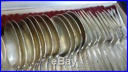 24 Couverts à entremets en métal argenté Art Déco poinçon tête de coq & étoiles