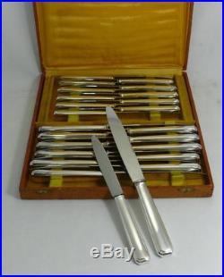 24 couteaux Art Déco, 12 de table + 12 à dessert, métal argenté, excellent état