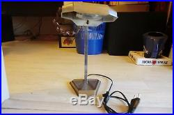 Ancienne lampe de bureau pirouette art-déco en métal chromé en parfait état