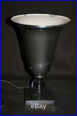 Belle lampe coupe art-déco inox