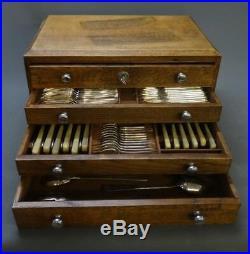 Belle ménagère 131 pièces avec coffret chêne Art déco Ercuis en métal argenté