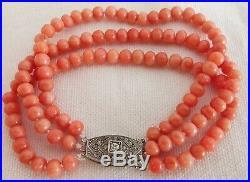 Bracelet corail art déco vers l'année 1930 et fermoir en argent