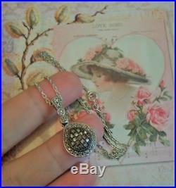 Chaine et pendentif ancien Art Deco argent diamants jaunes