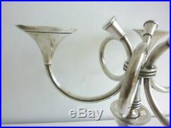 Chandelier Bougeoir ERCUIS en métal argenté modèle Cheverny décor cors de chasse