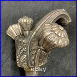Exceptionnel ensemble de robinetterie Art Déco métal argenté dans son jus