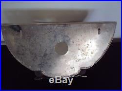 Jolie ancienne applique art déco en métal chromé et verre givré