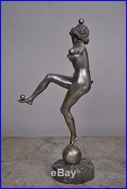 Jongleuse en bronze argenté art déco
