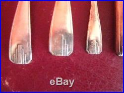 Ménagère de 63 pièces en métal argenté 84 grammes, époque art-déco avec écrin