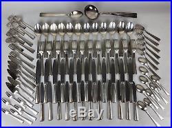 Ménagère métal argenté ERCUIS modèle filet à coquille Art Déco XXème 133 pièces