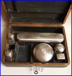 Nécessaire de toilette en argent et cristal vers 1910 flacons parfum pot Minerve