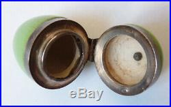 Petit oeuf pendentif boite argent massif et porcelaine silver Pendant vers 1920