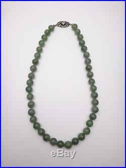 Très beau collier ancien en perle de jade Art Deco 1930 fermoir argent strass