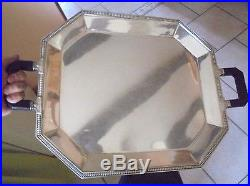 Tres grand plat, signé GALLIA. Metal argenté. Maison Christofle art deco
